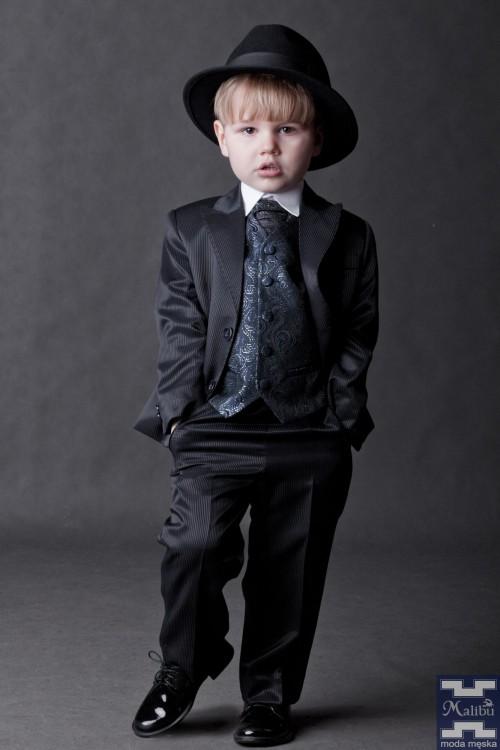 Granatowy garnitur dziecięcy - prążki