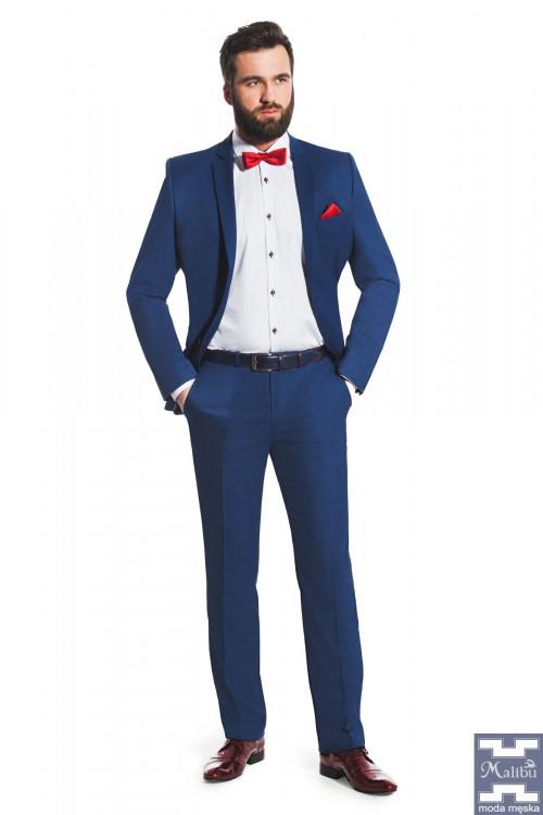 Niebieski garnitur męski